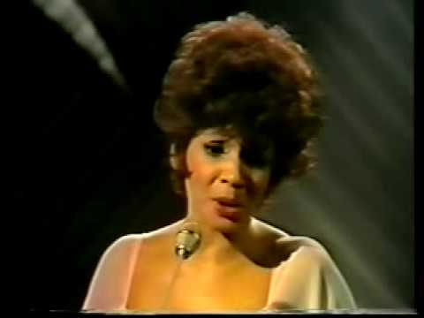Shirley Bassey – YESTERDAY WHEN I WAS YOUNG